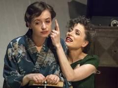 """Nellie und Anna Thalbach in """"Die Glasmenagerie"""" / Foto © Frank Wecker"""