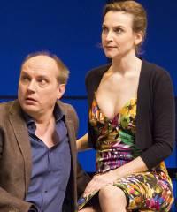 """Jana Klinge und Romanus Fuhrmann in """"Die Niere"""" in der Komödie am Kurfürstendamm / Foto © Frank Wecker"""