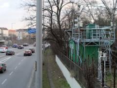 Luft-Meßstation an der Autobahn - Nähe Spandauer-Damm-Brücke - Am Lerschpfad