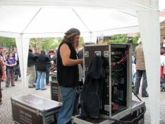Olaf Maske vom Klausenerplatz-Kiez sorgt für den guten Klang auf dem Mierendorffplatz