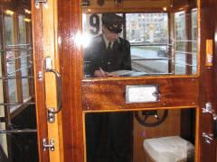 Der zweite Mann neben dem Fahrer - Zugbegleiter und Schaffner in einer Person