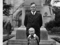 Herr Werner Adam und sein Vater (1936)