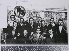 Zeitungsausschnitt; untere Reihe 1. von li. Fritz Kollosche; obere Reihe 3. von li. Rechtsanwalt Litten