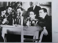 Willi Miether (3. v. l. am Tisch) mit Richard Hüttig (ganz r.), 1932 oder Anfang 1933