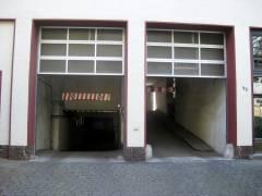 Nassauische Str. - Garageneinfahrten