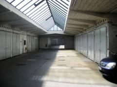 Blick durch die Garagengasse im Hochparterre