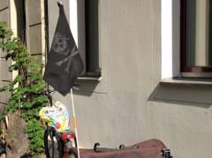 Piraten-Gespann in der Gardes-Du-Corps-Straße