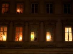 Weihnachtlicher Fensterschmuck im Kiez 2009