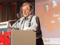 Der US-amerikanische Ökonom Michael Hudson auf der Rosa-Luxemburg-Konferenz 2019 / Foto © Frank Wecker