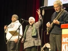 Die Sängerin Esther Bejarano auf der Rosa-Luxemburg-Konferenz / Foto © Frank Wecker