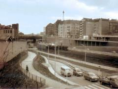 Blick von Knobelsdorffbrücke auf Kaiserdammbrücke in Charlottenburg (Anfang 1964). / Foto Detlev Lubjahn