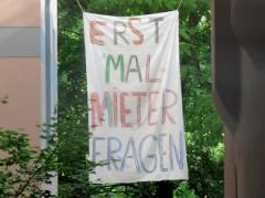 Mieterprotest in der Seelingstraße gegen teure Modernisierungmaßnahmen (Juni 2012)