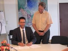"""Unterzeichnung einer """"Vereinbarung"""" zwischen einem SPD-Stadtrat und der GEWOBAG"""