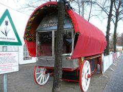 Aufbauarbeiten zum Weihnachtsmarkt am Schloß Charlottenburg - 21.11.2007