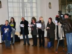 Vertreter der Schloßpark-Ini - des BUND - des ADFC bei der Pressekonferenz