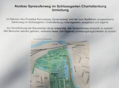 Info-Plakat an der Baustelle am Spreeufer - März 2011