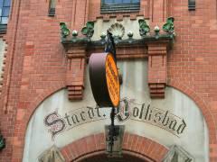<span>Eingang zum Stadtbad Charlottenburg &quot;Alte Halle&quot;</span>