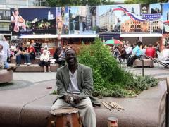 Die Welt zu Gast beim Sommerfest auf dem Breitscheidplatz / Foto © Frank Wecker