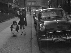 Straßenszene am Rüdesheimer Platz 1958 / Foto © Archiv Schultz