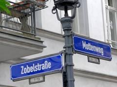 Straßenecke im Klausenerplatz-Kiez (Mai 2016)