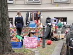 Straßenflohmarkt im Kiez
