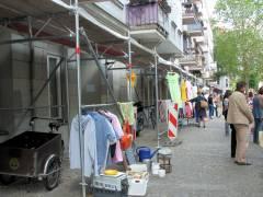 Straßenflohmarkt in der Seelingstraße