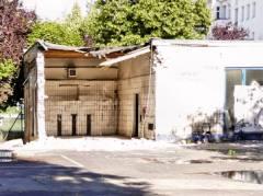 """Abrißarbeiten am """"Nassen Dreieck"""" (Einstige Tankstelle, zuletzt Autowerkstatt, an der Schloßstraße)"""