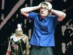 """Oliver Mommsen in """"Die Tanzstunde"""" an der Komödie am Kurfürstendamm / Foto © Frank Wecker"""