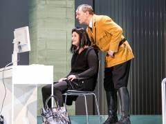 """""""Er ist wieder da"""" im Theater am Kurfürstendamm / Foto © Frank Wecker"""