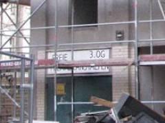 Wege der Vertreibung und Verwertung zu Eigentumswohnungen - Künstlerfabrik K19 am Klausenerplatz mit den Freien Theateranstalten