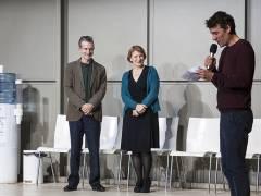 Dagmar Manzel und Ulrich Matthes mit Laudator Alexander Khuon bei der Preisverleihung / Foto © Frank Wecker