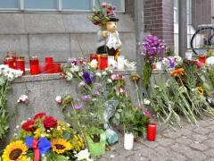 Trauer um die Opfer des Anschlags von Nizza vor der Nehring-Grundschule (Juli 2016)