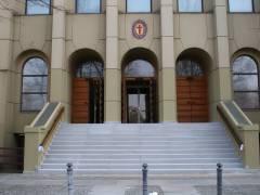 Kirche St. Kamillus am Klausenerplatz mit neuer Treppe