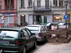 Einfahrverbot von der Neufertstraße in die Nehringstraße führt zu chaotischen Verkehrsverhältnissen