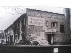 Garagen (1958) als Rest des Victoria-Gartens / Foto Sammlung Dittmer
