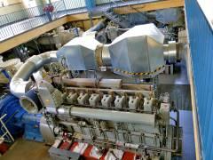 Maschinenhalle im Pumpwerk Sophie-Charlotten-Straße 114 (dieser Dieselmotor dient als Notreserve und springt nur bei Stromausfall an)