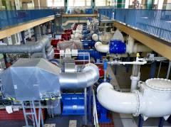 Maschinenhalle im Pumpwerk Sophie-Charlotten-Straße 114 (mit elektrisch betriebenen Pumpen)