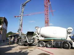 Neubau des Abwasserpumpwerks Charlottenburg - Betonmischer werden entladen