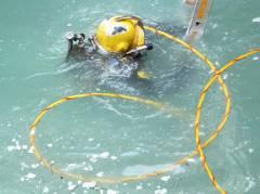 Neubau des Abwasserpumpwerks Charlottenburg - Bautaucher verlegen Unterwasserbeton im Grundwasser