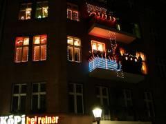 Weihnachtlich geschmücktes Haus in der Neufertstraße