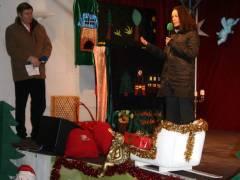 Kunst- und Sozial-Weihnachtsmarkt auf dem Klausenerplatz - Sozialstadträtin Martina Schmiedhofer
