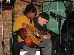 Kinder Open Stage im Eiscafé Fedora. Keine Bange vor dem ersten Auftritt - Icke hilft immer .....