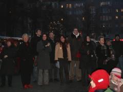 Kunst- und Sozial-Weihnachtsmarkt auf dem Klausenerplatz - mit Prominenz-Massen-Show