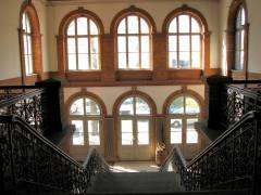 Empfangsgebäude des Bahnhof Westend (Heutige Innenansicht)