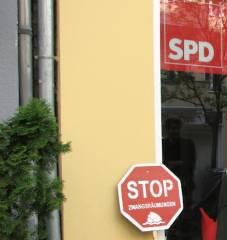 Zwangsräumung der GEWOBAG in Charlottenburg-Nord - mit Billigung von Berlins Stadtentwicklungssenator Michael Müller (SPD)